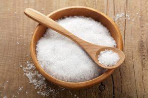 pote e colher de sal