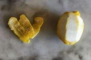 Descasque o limão