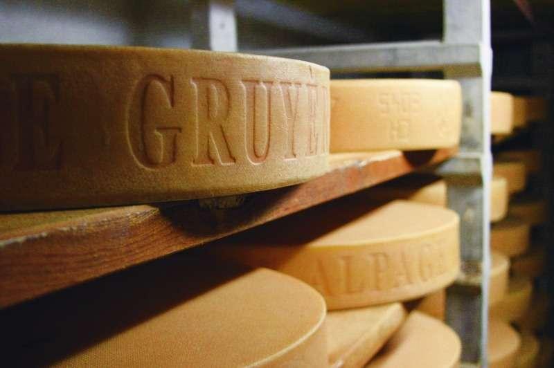 O queijo Gruyère é suíço e não tem furinhos