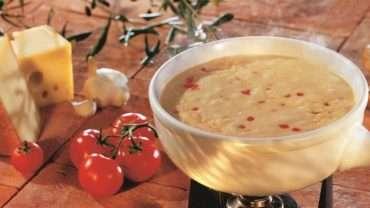 fondue-de-queijo-com-tomate