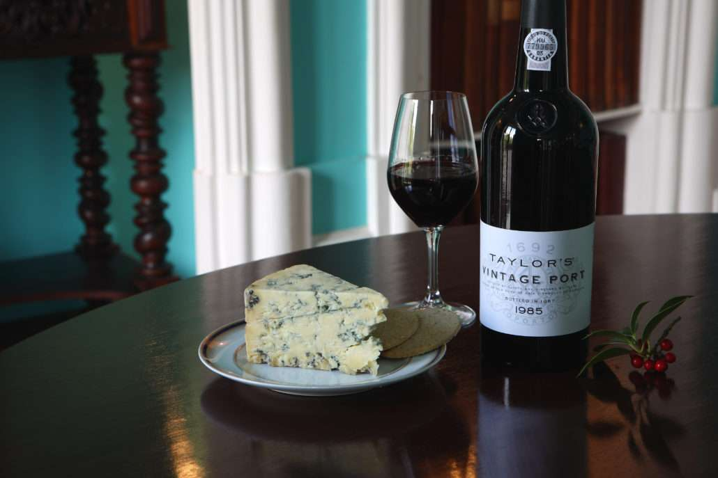 vinho do porto e queijo stilton