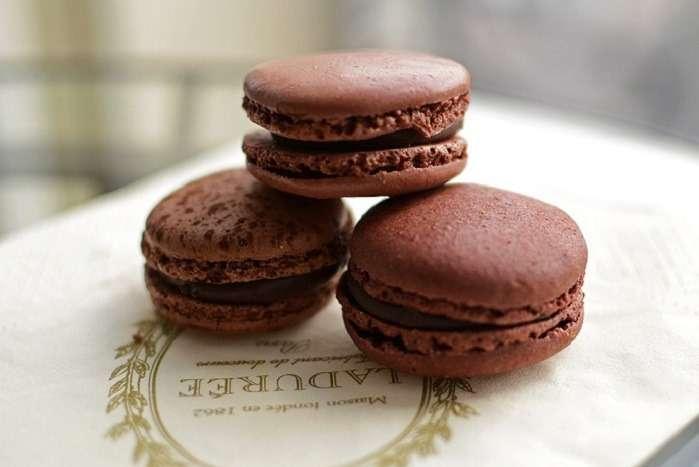 Macaron de chocolate da Ladurée