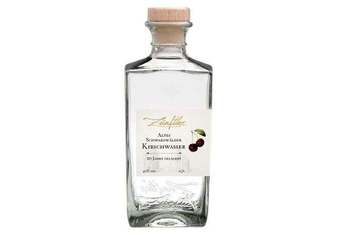Schwarzwälder kirschwasser é a bebida utilizada no bolo Floresta Negra