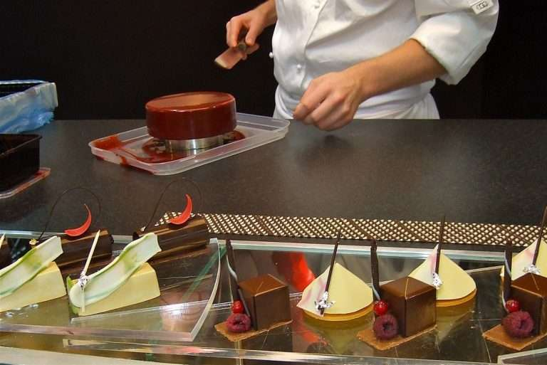 patissier, pastry chef