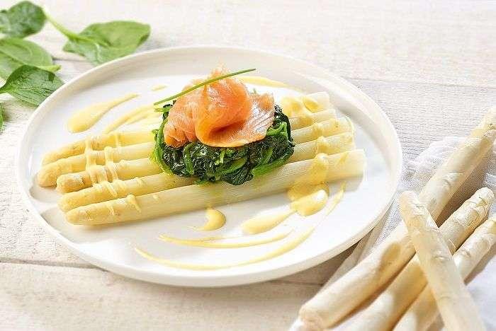 Aspargos com beurre blanc