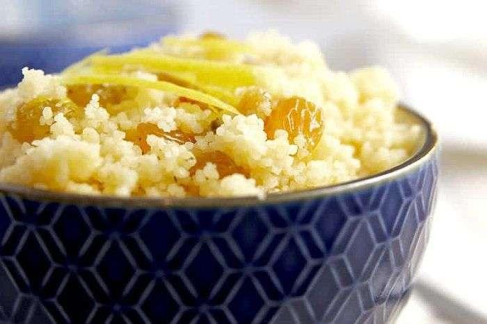 cuscuz com mel, passas e raspas de limão