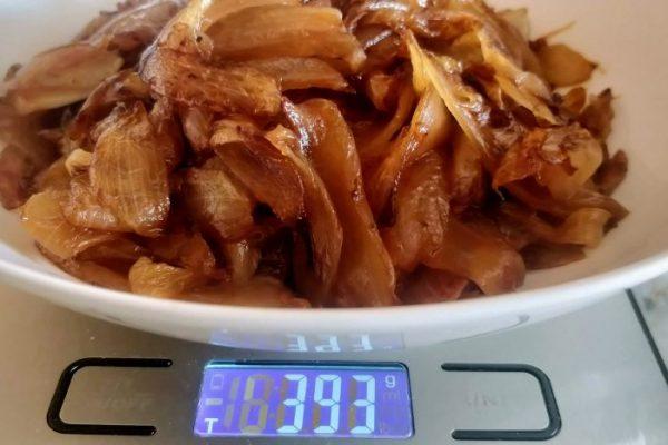 1 quilo de cebola rende 400 gramas de cebola caramelizada