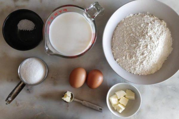 Organize os ingredientes do crepe